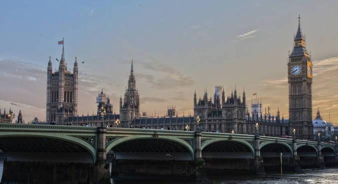 Mais de 6 milhões cidadãos da UE pedem residência no Reino Unido
