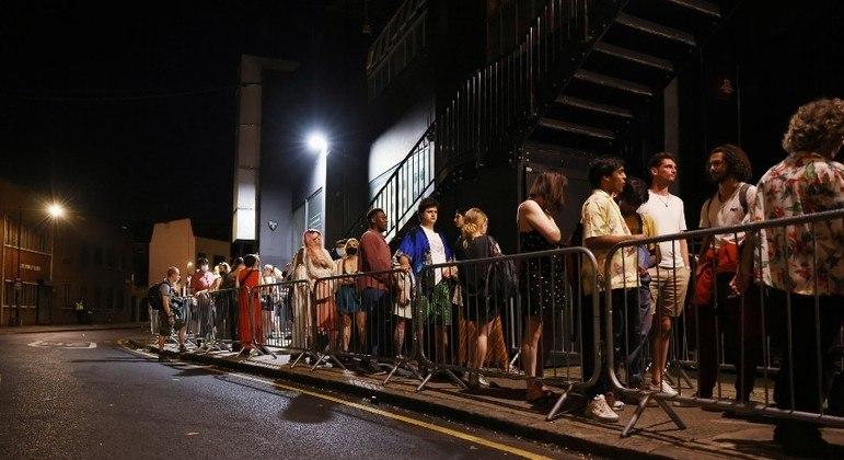 Casas noturnas voltaram a funcionar na Inglaterra à meia-noite desta segunda