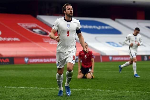 Inglaterra: Harry Kane (Tottenham). Temporada 2020/21: 58 jogos e 35 gols