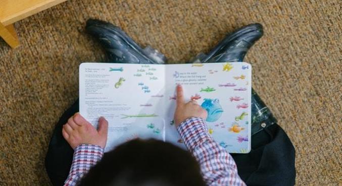 Mais de 300 voluntários se encontram semanalmente com as crianças para as sessões de leitura
