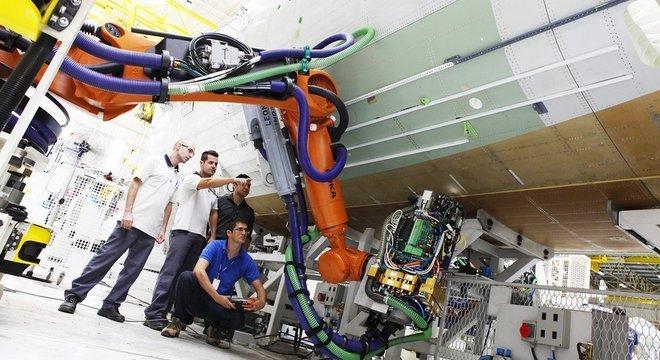 A Embraer é a terceira maior exportadora do Brasil e modelo em inovação