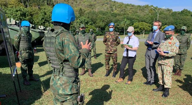 Comitiva da ONU visita instalações da Marinha na zona norte do Rio
