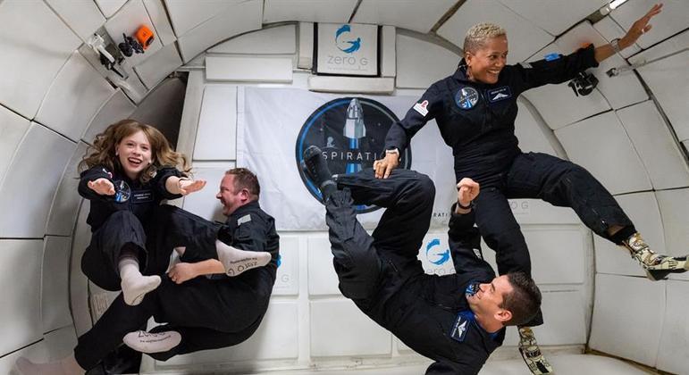 Tripulantes vão passar 3 dias na cápsula Crew Dragon da SpaceX