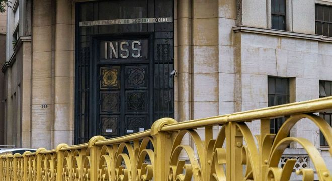 Sede do INSS em São Paulo, que mantém atendimento remoto