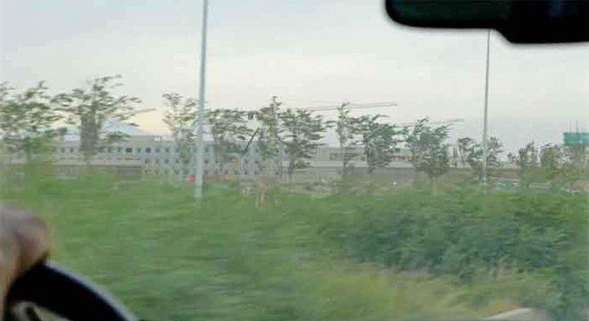 Em Xinjiang, diversos prédios estão sendo construídos para abrigar muçulmanos