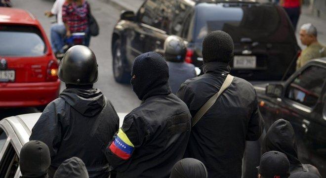 Guaidó diz que os chamados coletivos são grupos paramilitares urbanos