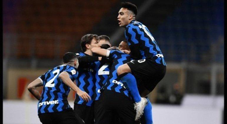 Inter 2 X 1, a festa pela eliminação do Milan
