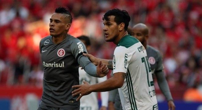 Inter, de Álvez, e Palmeiras, de Gómez, ficaram no 0 a 0 no Beira-Rio