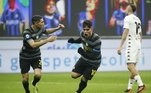 A Inter de Milão goleou o Benevento por 4 a 0, no sábado (30), em casa, resultado que consolida a equipe na segunda colocação do Italiano, com 40 pontos, quatro atrás do líder e principal rival Milan