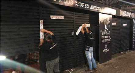 Servidores fiscalizam bares na cidade