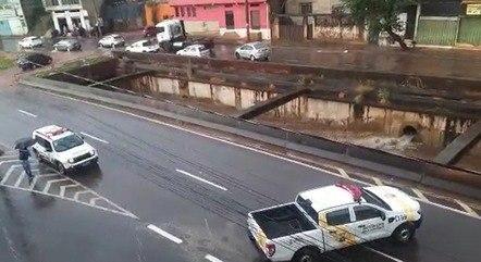 Veículos devem pegar desvios na região