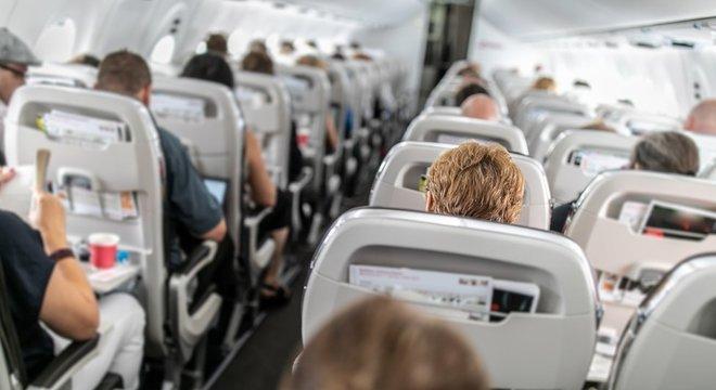 A qualidade do ar dentro de um avião pode ser de melhor qualidade do que o ar em um escritório.