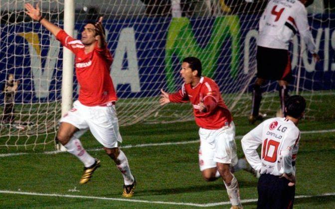 Internacional - 2009: O Colorado foi o campeão do primeiro turno do Brasileirão em 2009, com 39 pontos. Porém, o campão brasileiro daquele ano foi o Flamengo, com 67 pontos, dois a mais que o Inter, segundo colocado.