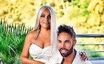 Em busca da pele perfeita, a foto deste casal ficou parecendo uma pintura, mas não tão realista assim. Já que, convenhamos, nem todo o botox do mundo daria este resultado