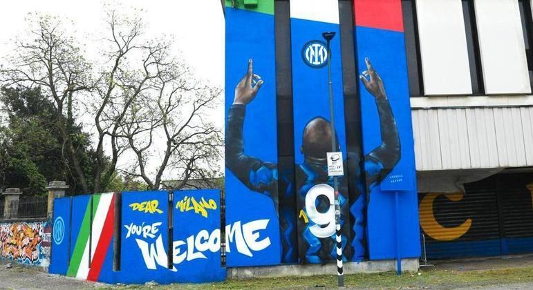 O mural em homenagem a Romelu Lukaku