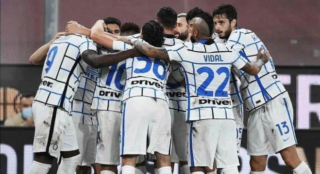 Festa da Inter, 2 X 0 no Genoa