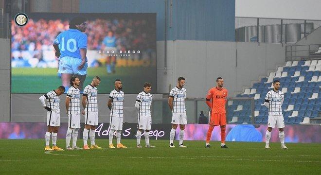 No jogo Sassuolo 0 X 3 Inter, uma homenagem a Maradona