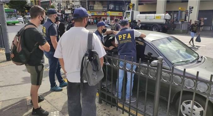 Interpol prende 13 criminosos no Brasil e América Latina