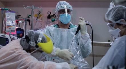 """Itamaraty busca no exterior o """"kit intubação"""""""