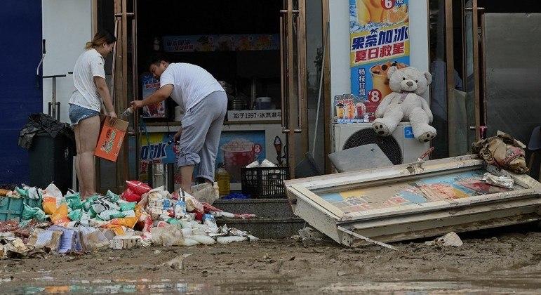 China se prepara para a chegada do Tufão In-Fa após sofrer com grandes inundações