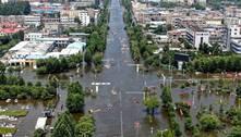 Número de mortos por inundações na China triplica e chega a 300