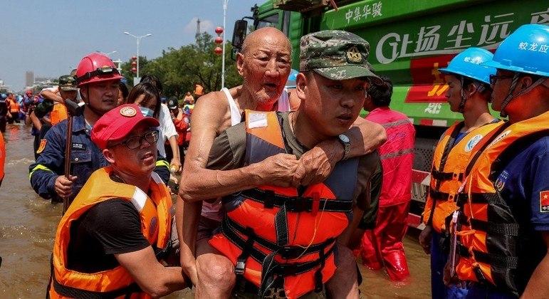 China registrou intensas chuvas na região central do país