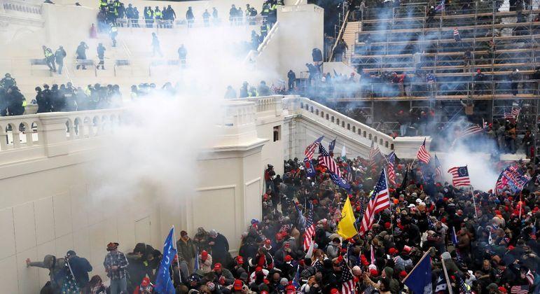 Capitólio foi invadido por apoiadores de Donald Trump em 6 de janeiro deste ano