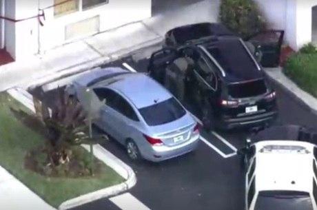 Carro invadiu resort de Trump na Flórida