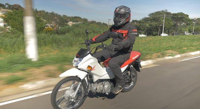 Investindo R$ 113/mês, a Honda Pop 110i é a porta de entrada ao mundo moto / Denis Armelini
