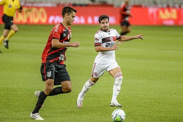 Invicto há 11 jogos, o Flamengo vive uma fase esplêndida. E Domènec Torrent tem cumprido com o que tinha prometido: utilizar a base em profusão (e não só por conta de contratempos). Na última noite, por exemplo, acionou Daniel Cabral, de 18 anos, na vitória sobre o Athletico-PR por 1 a 0, pela ida da Copa do Brasil. O volante foi o 17º Garoto do Ninho utilizado pelo catalão. Veja todos a seguir.