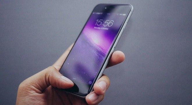 Relógio do iPhone mude de horário e atrapalha usuários nesta amanhã