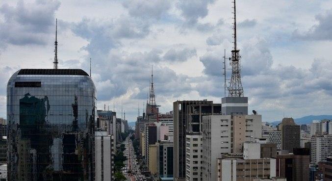Tempo abre e tarde deve ser se calor em São Paulo, neste sábado (7)