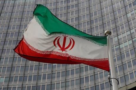 Irã disse que não vai mais seguir restrições nucleares