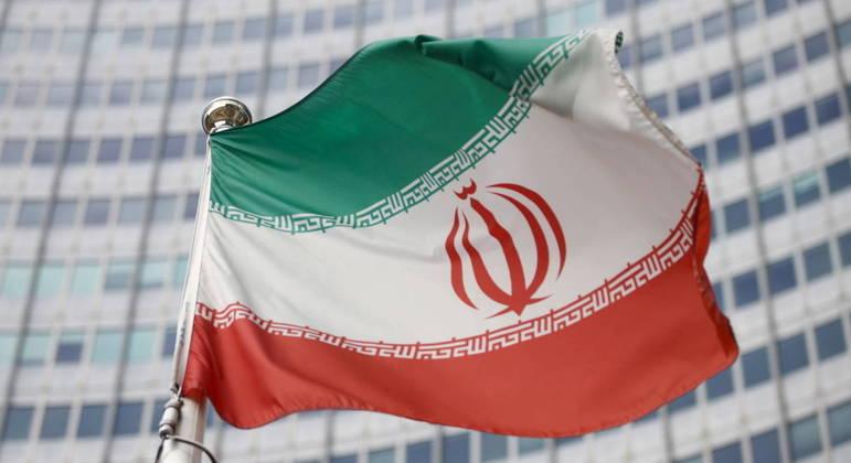 Irã e Arábia Saudita conversam na tentativa de alcamar entre tensões entre os dois países