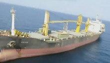 Navio de carga iraniano é atacado no Mar Vermelho, afirma emissora