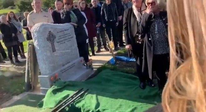 Áudio foi tocado durante o enterro, no momento que o caixão foi colocado na cova