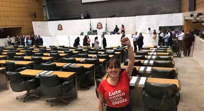 'Acredito na mudança pela pressão social', diz Isa Penna sobre assédio