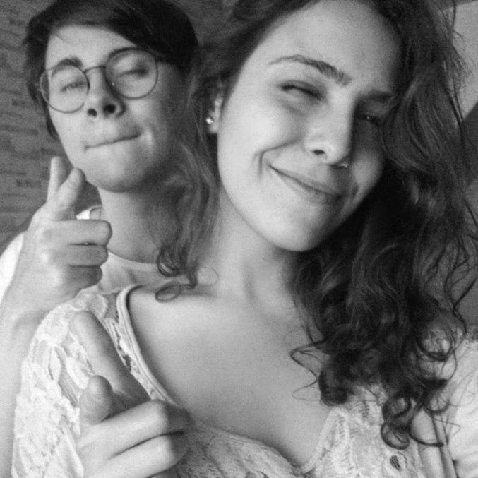 Apesar de morar no mesmo bairro, casal se conheceu pela internet