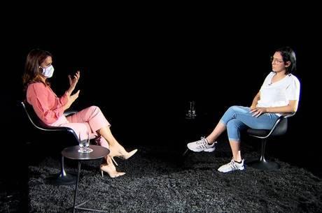 Adriana Araújo entrevista a jovem no RRI desta quinta (27)