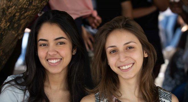 Victoria Braga, de 18 anos, e Isabela Julioli, 19, prestam Enem para medicina