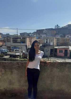 Isabela de Oliveira Carvalho, 16 anos