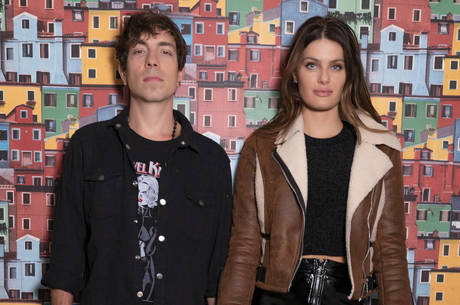 Di Ferrero e Fontana  protagonizam casal em crise
