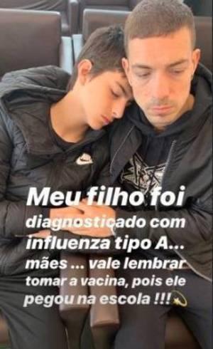 Lucas com Di Ferrero, marido da mãe