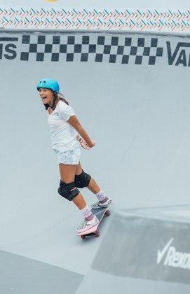 Isadora Pacheco: também skatista, tem 16 anos e é vista como uma das promessas do esporte nacional na modalidade do Skate Park