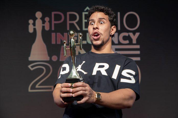 Isaías Silva venceu a categoria Humor em 2020