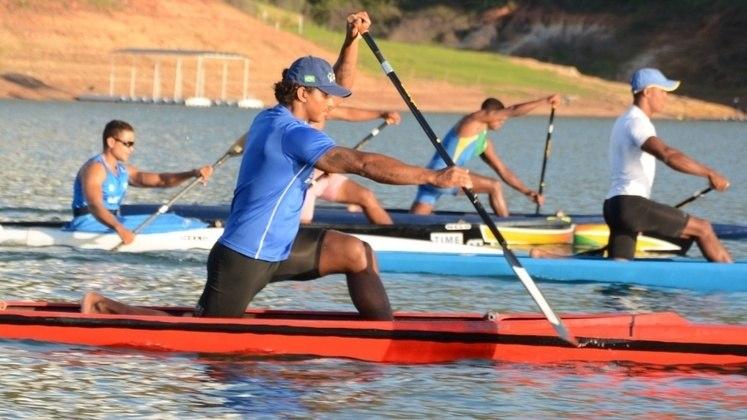 Canoagem velocidade (2 vagas)Isaquias QueirozRio 2016 (duas de prata e uma de bronze)