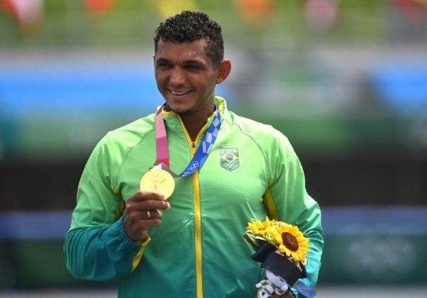 Isaquias Queiroz: dono de quatro medalhas olímpicas, sendo uma de ouro, duas de prata e uma de bronze, o canoísta tem apenas 27 anos e é cotado para conquistar mais medalhas em Paris 2024