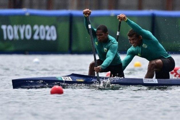 Isaquias Queiroz e Jacky Godman vão disputar a semifinal do C2 (canoa, em dupla) 1000m, às 21h45, na canoagem velocidade. A final será às 23h55.