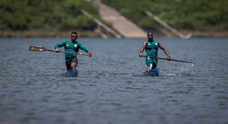 Jacky Godmann (dir.) é o novo parceiro de Isaquias Queiroz na canoagem nos Jogos Olímpicos