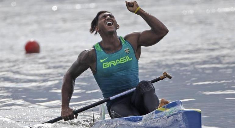 Isaquias Queiroz conquistou logo três medalhas em sua primeira participação olímpica
